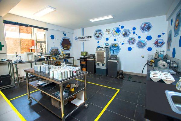 nosotros-laboratorio-especializado-geomec
